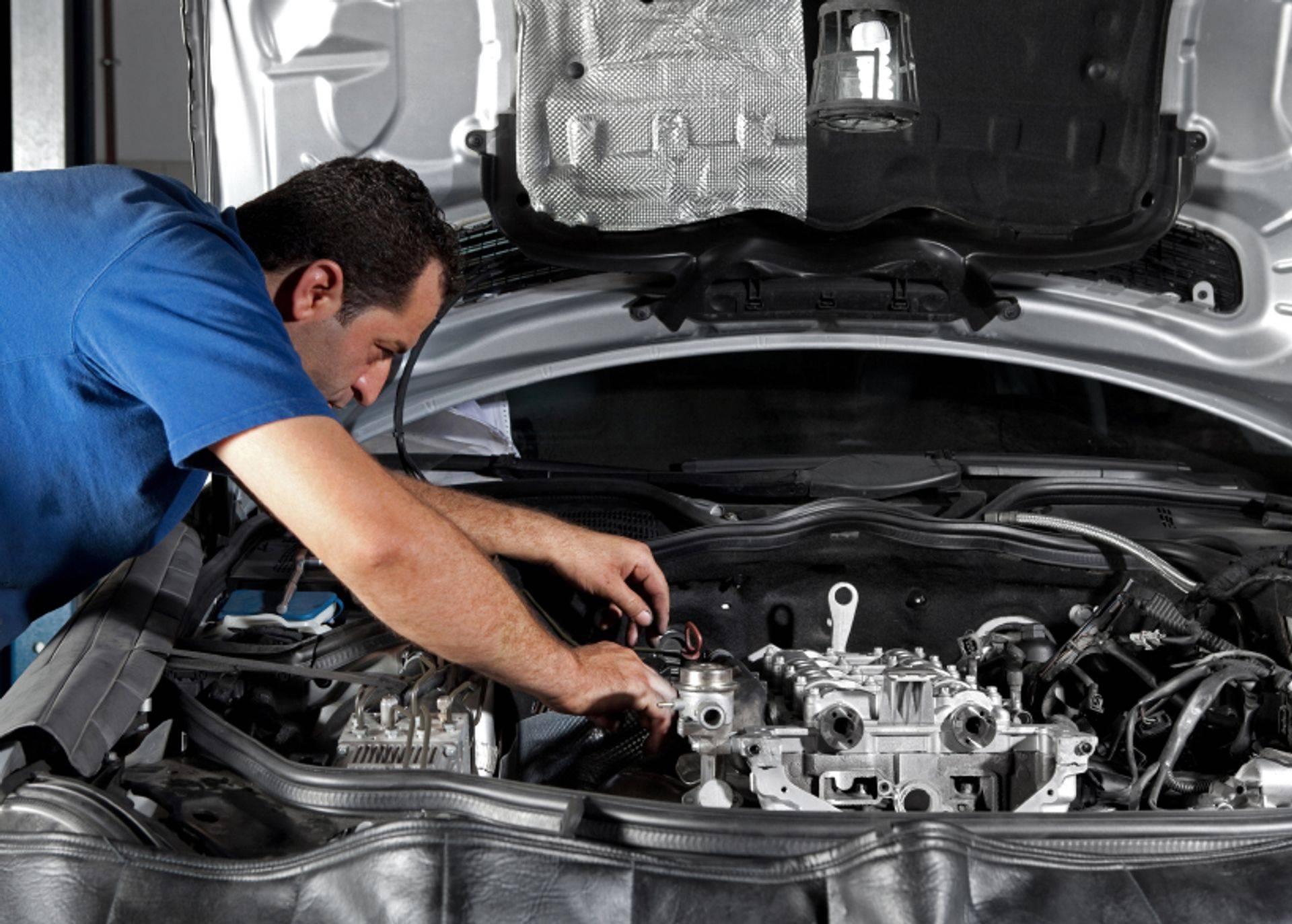 Водителям в РФ объяснили, почему двигатели современных авто изнашиваются быстрее старых