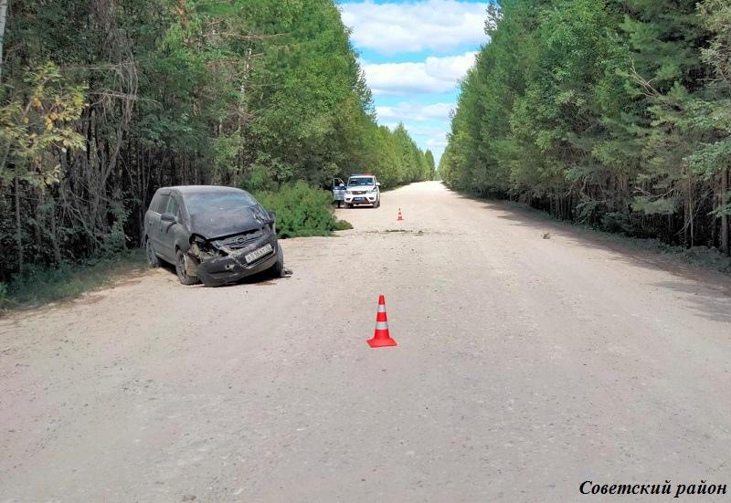 В Марий Эл в результате ДТП женщина-водитель въехала в дерево