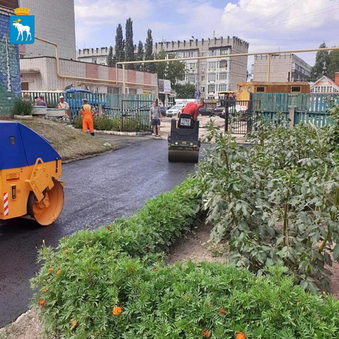 Продолжаются работы по благоустройству в детских садах города Йошкар-Олы