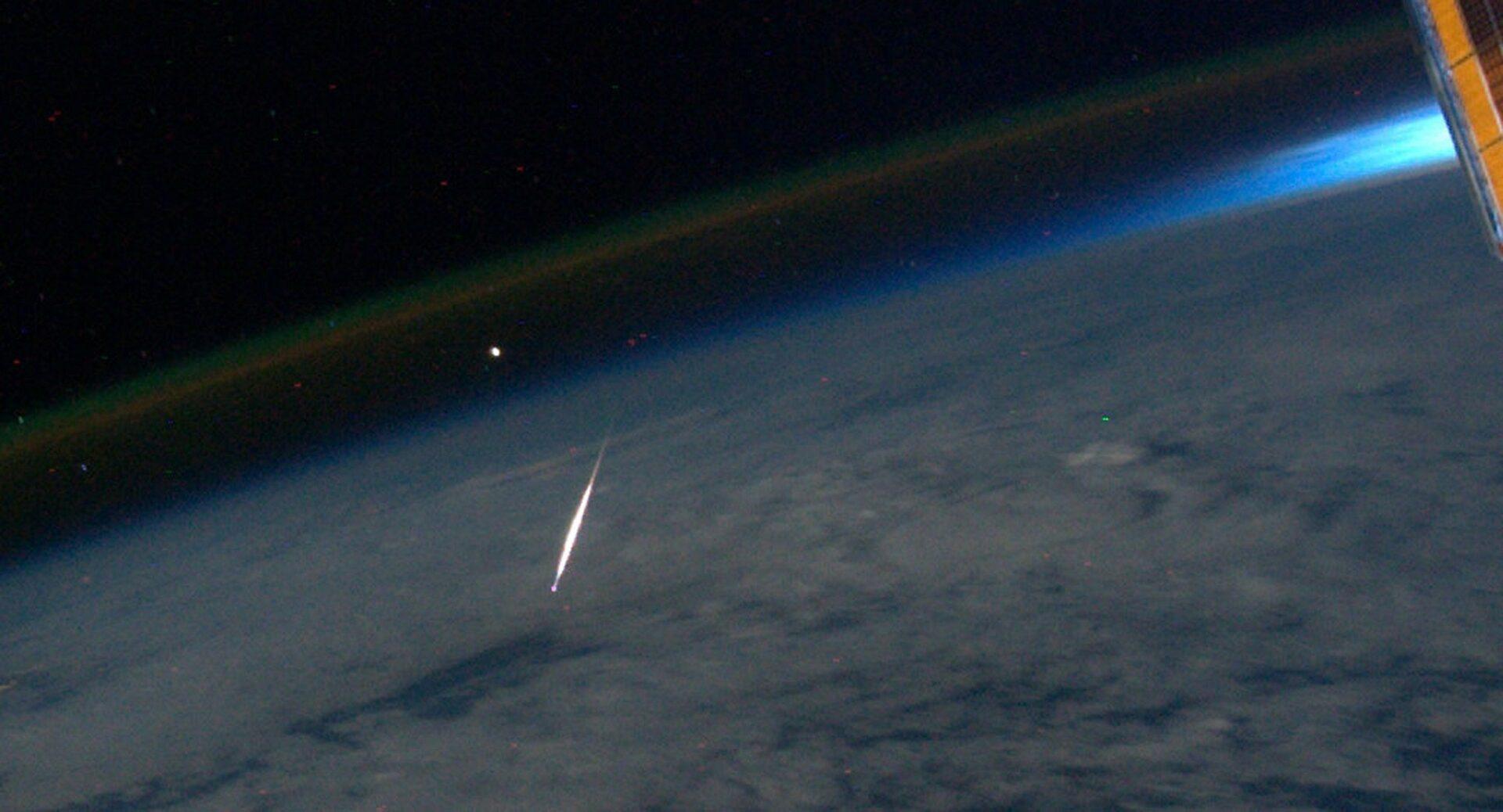 Рогозин заявил, что неизвестный объект 8 июля сблизится с МКС