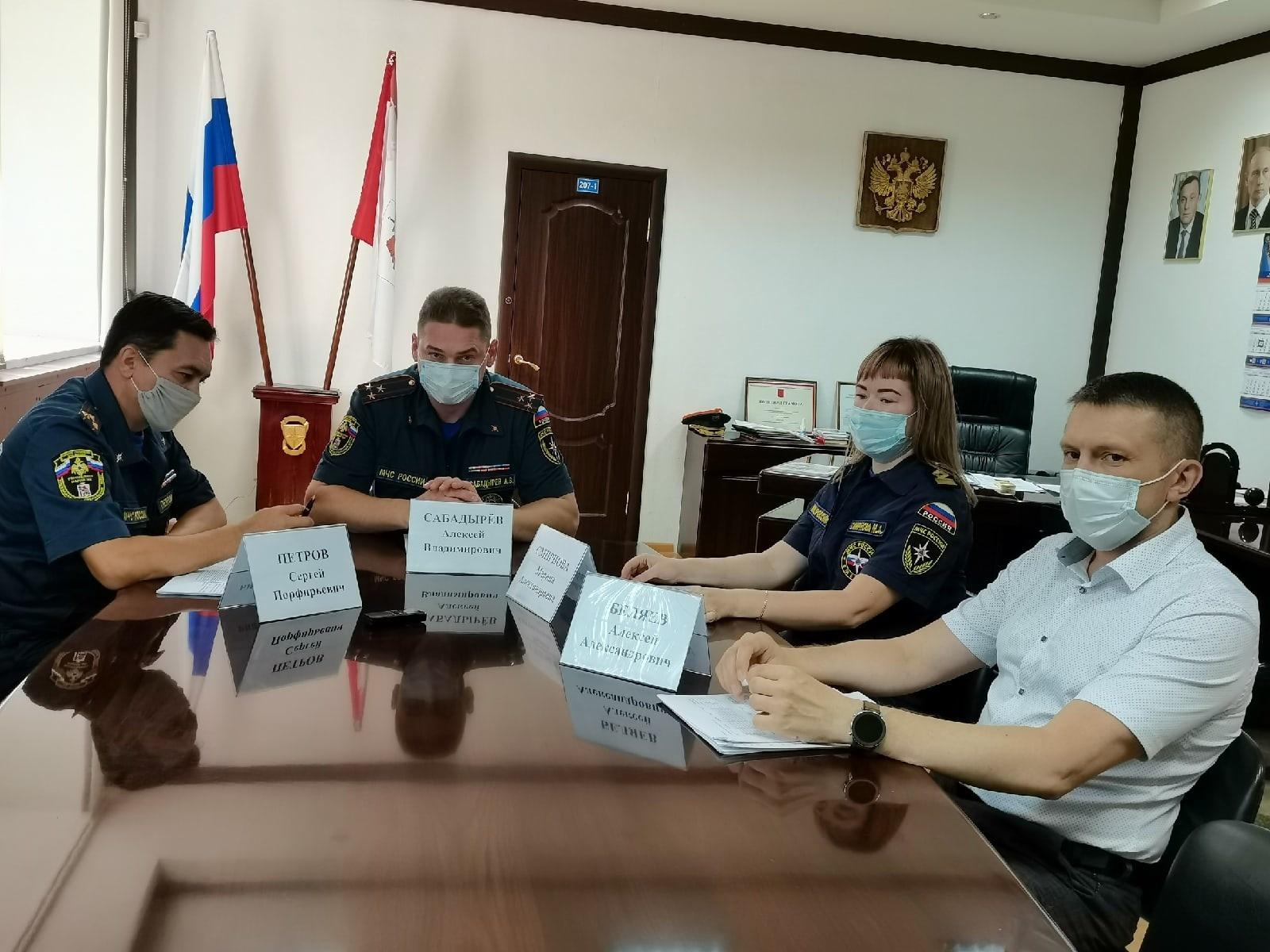 В МЧС на встрече с журналистами oбсудили проблемы обеспечения безопасности в летний период
