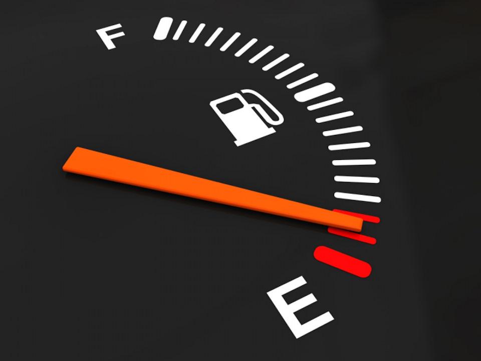 Названы несколько причин увеличения расхода топлива при летней эксплуатации автомобиля