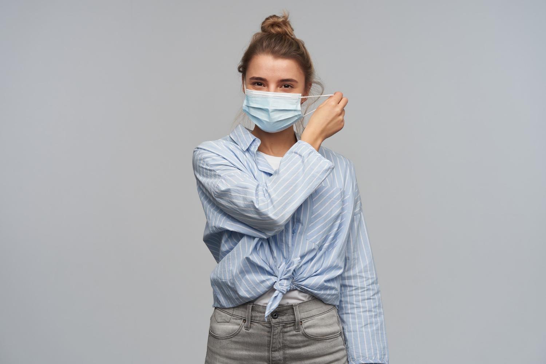 Биолог Нетесов назвал отказ от вакцины главной ошибкой во время пандемии