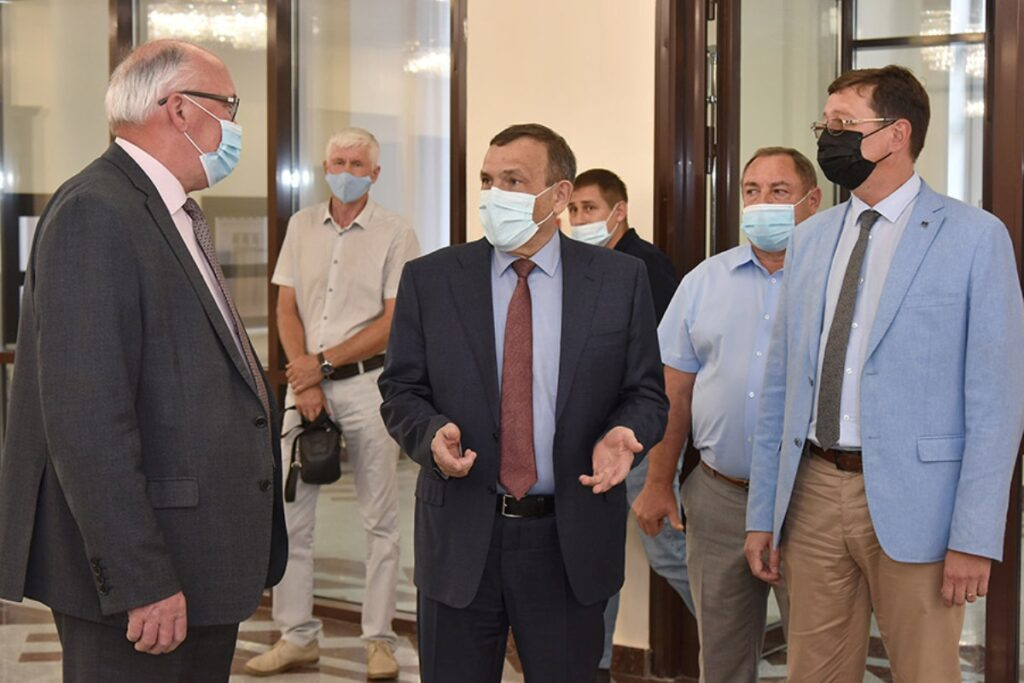 Глава Марий Эл посетил перед открытием новое здание Маргосфилармонии