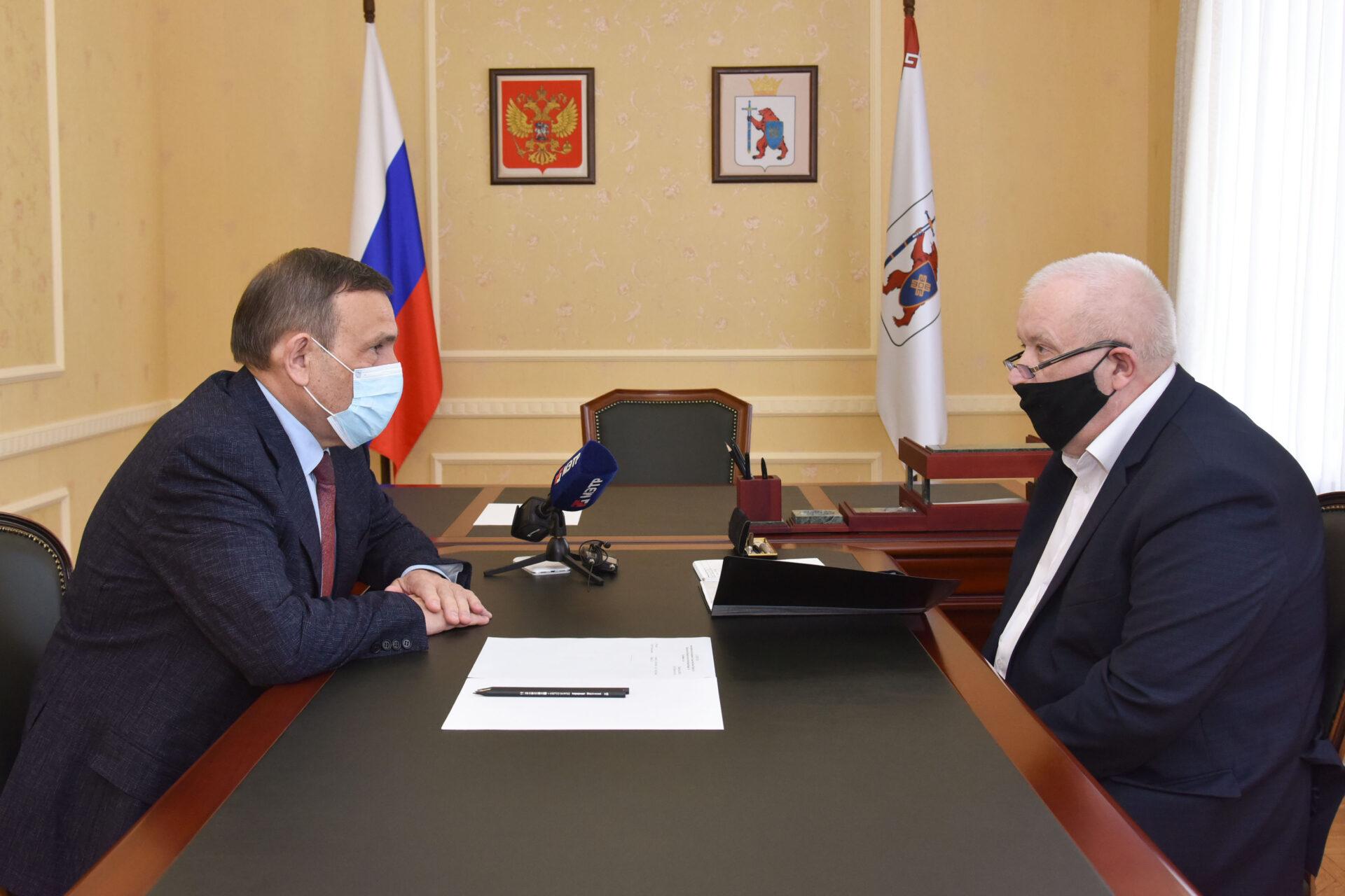 Глава Марий Эл и министр МВД республики обсудил меры безопасности в школах