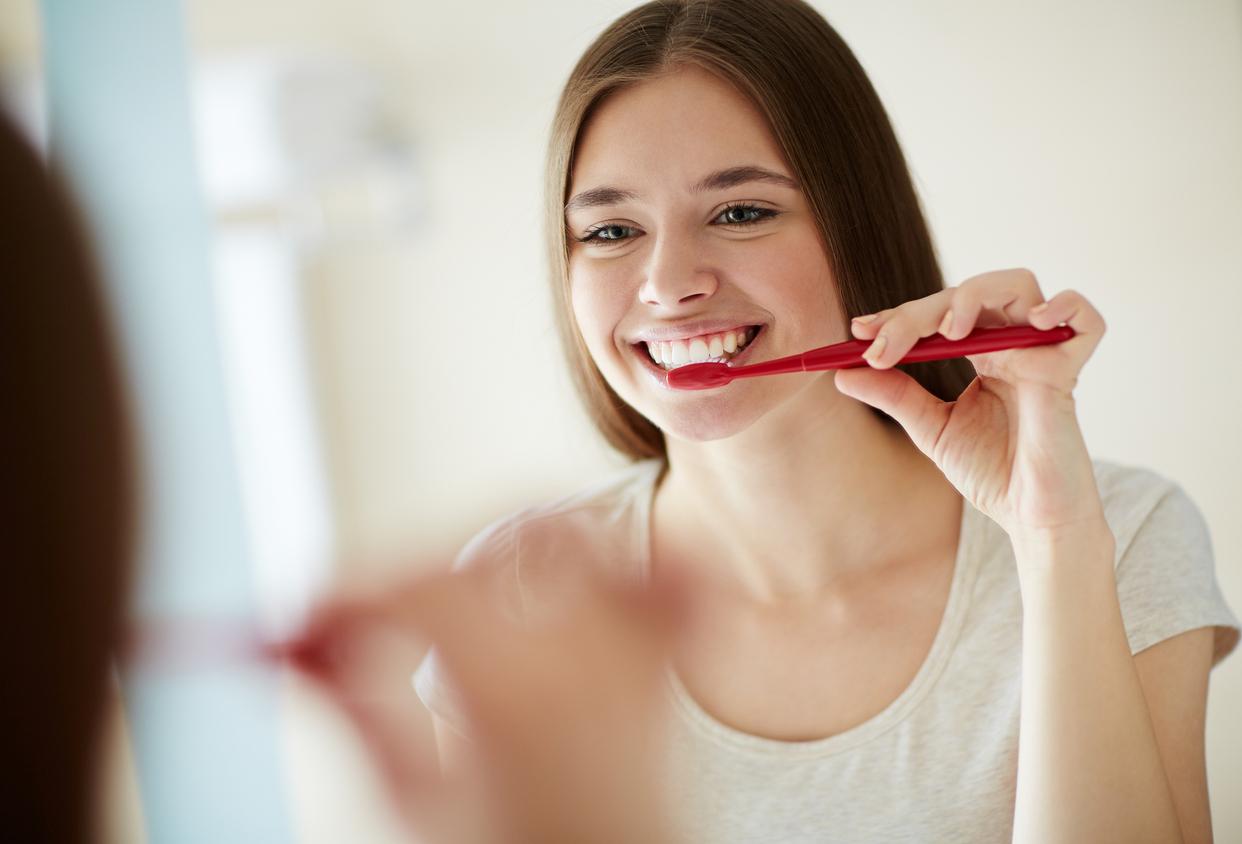 Дантист Маркес: чистка зубов после еды разрушает эмаль