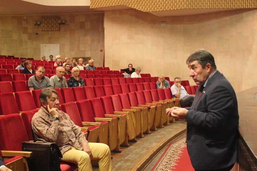 В Русском театре обсудили программы, которые реализуются в Йошкар-Оле