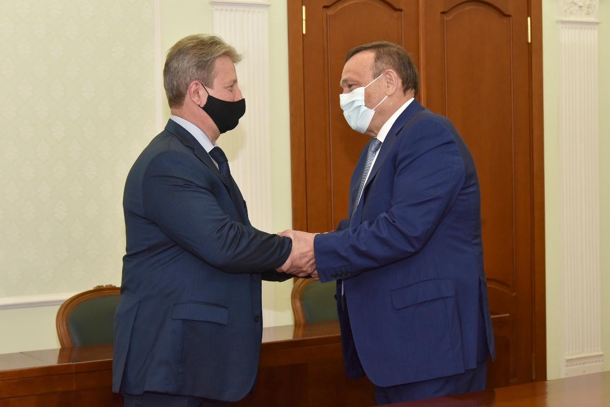 Александр Евстифеев встретился с родным братом Марка Евтюхина