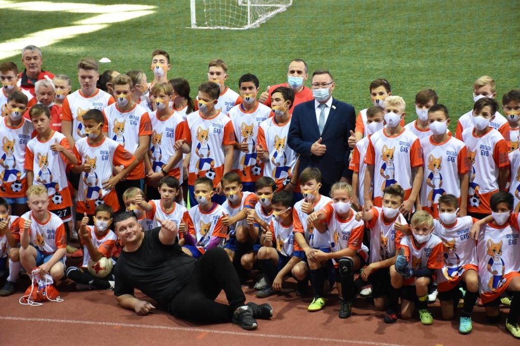 Две команды юных футболистов отправятся на соревнования в Москву