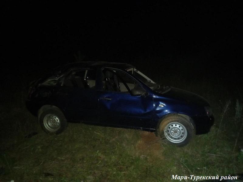 В Марий Эл опрокинулся автомобиль с пьяным водителем