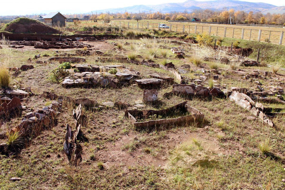 Археологи СО РАН обнаружили в Хакасии могильники тагарской культуры бронзового века