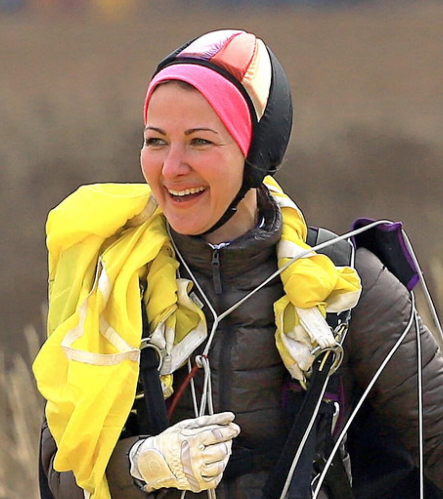 Жительница Марий Эл совершила 1000-й прыжок с парашютом