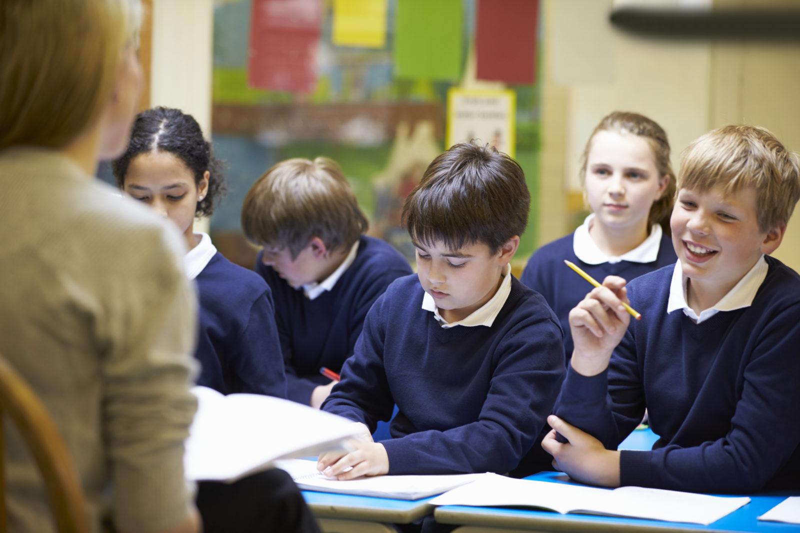 Родители школьников обеспокоены возможным переносом начала учебного года
