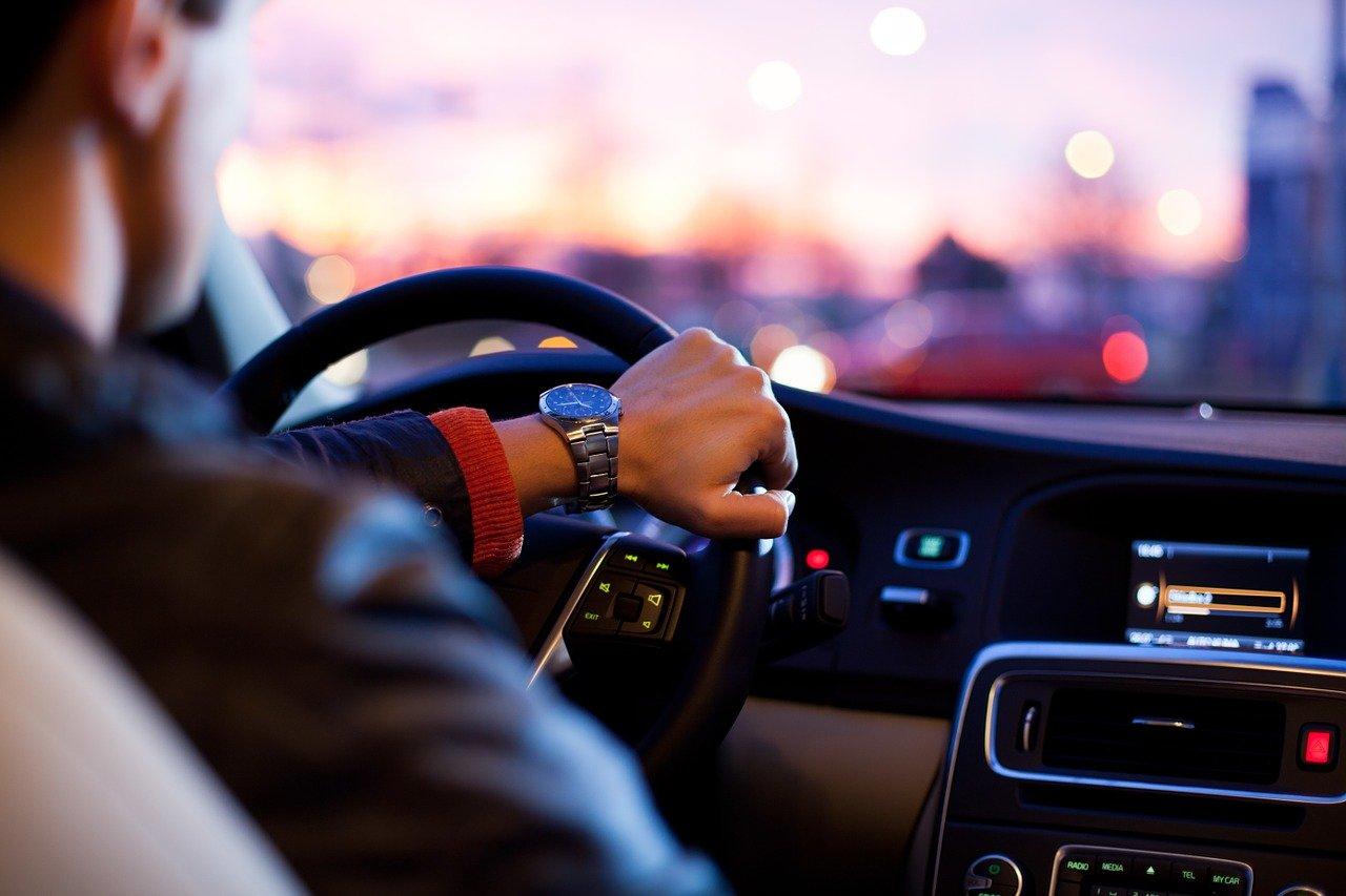 Автоспециалист Колодочкин перечислил неисправности, при которых нельзя выезжать на автомобиле