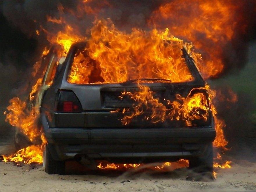 В Волжске сгорело авто
