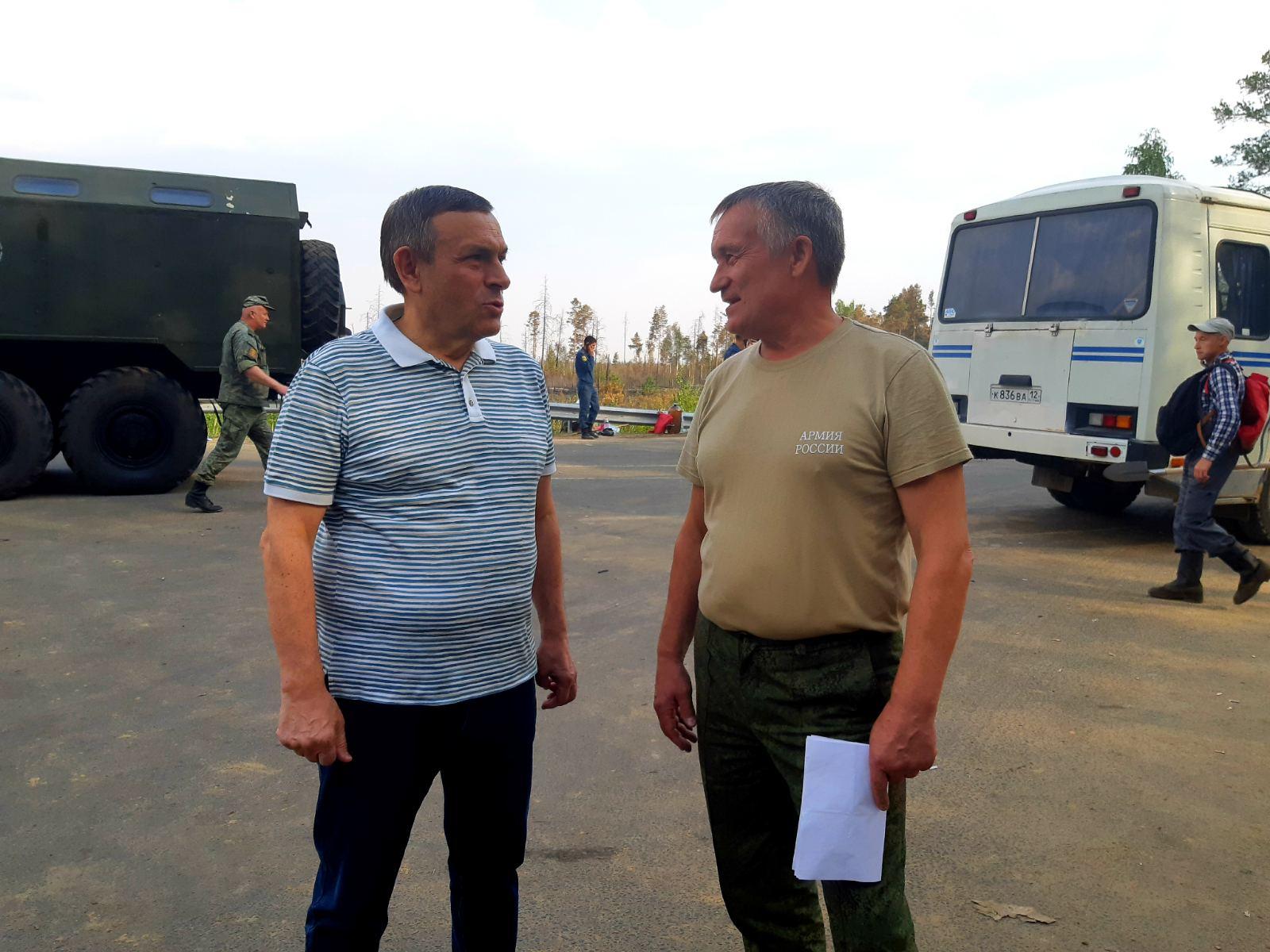 Глава Марий Эл встретился с добровольцами, которые отправились на тушение лесного пожара
