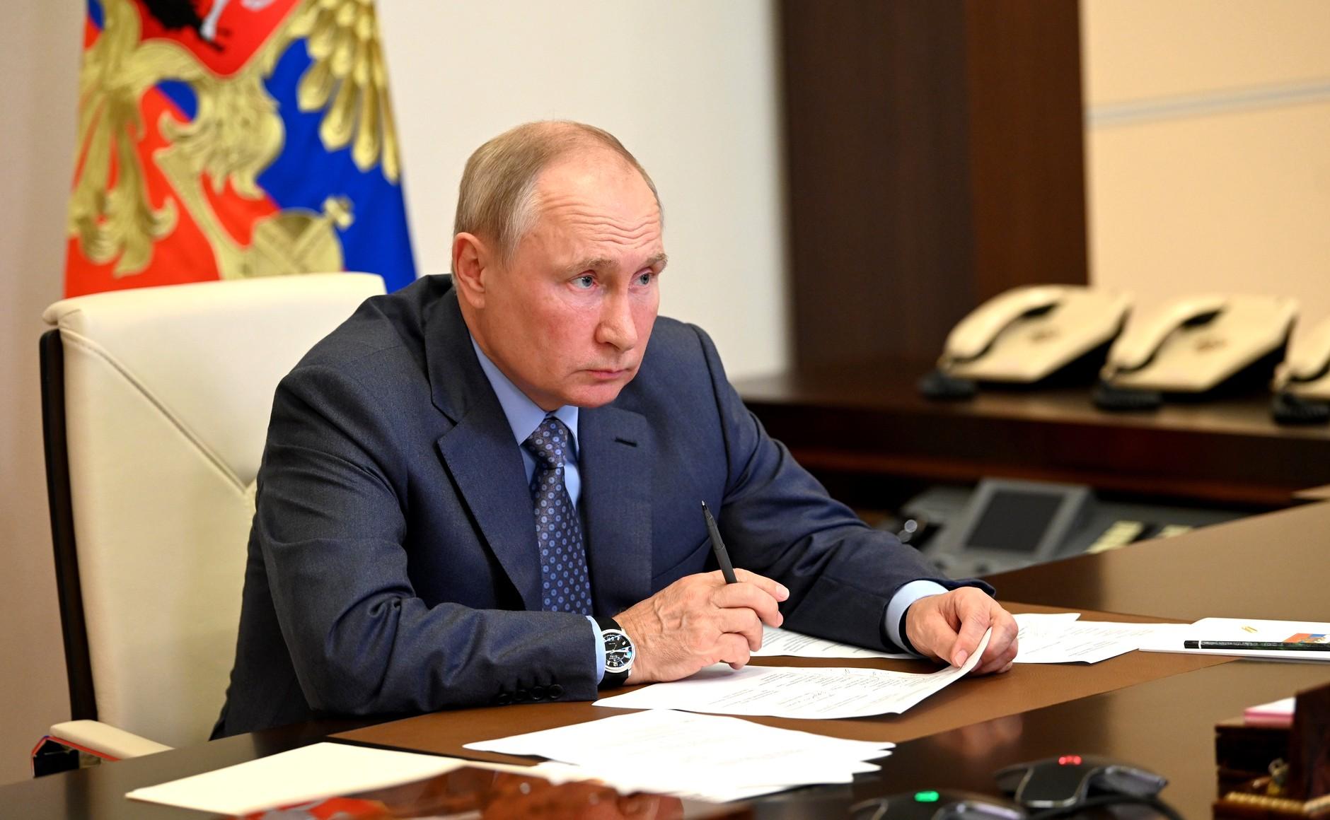 Путин подчеркнул важность заботы о детях, проживающих в зонах подтоплений и пожаров