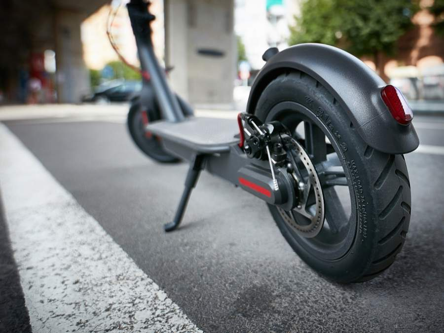 Кожанов предложил обсудить проблему катания на велосипедах и электросамокатах в людных местах