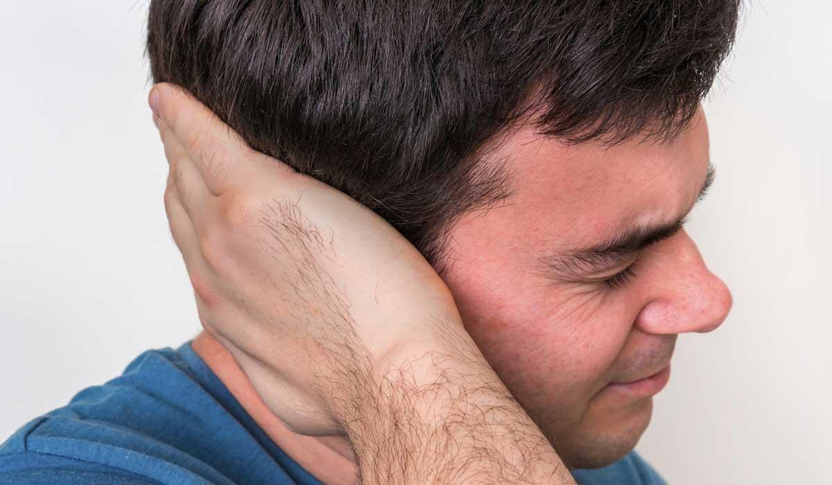 Ученые рассказали, почему людей раздражают звуки жевания