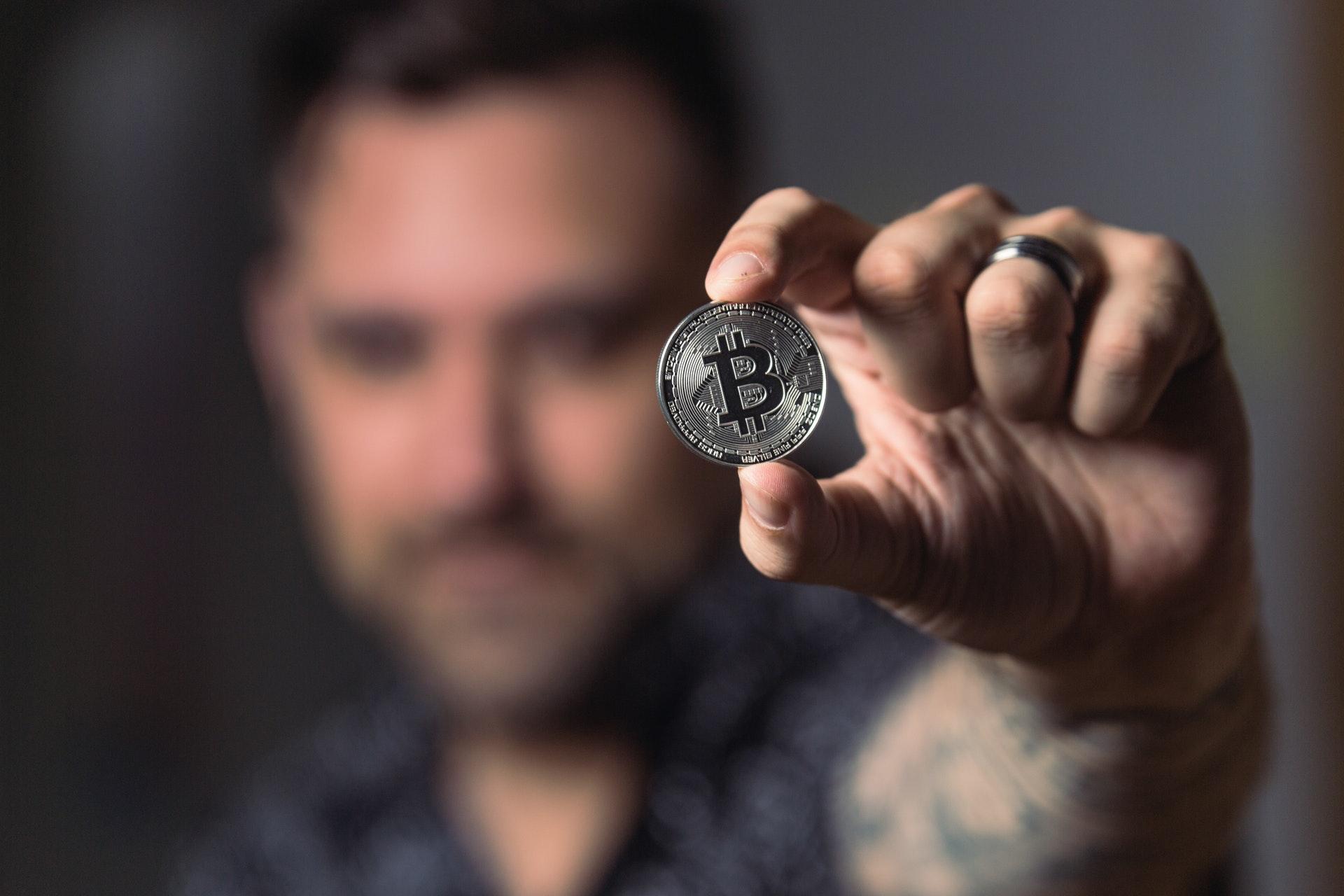 Глава криптовалютного пула «РОЙ Клуб» Ордин назвал доллар конкурентом биткоина