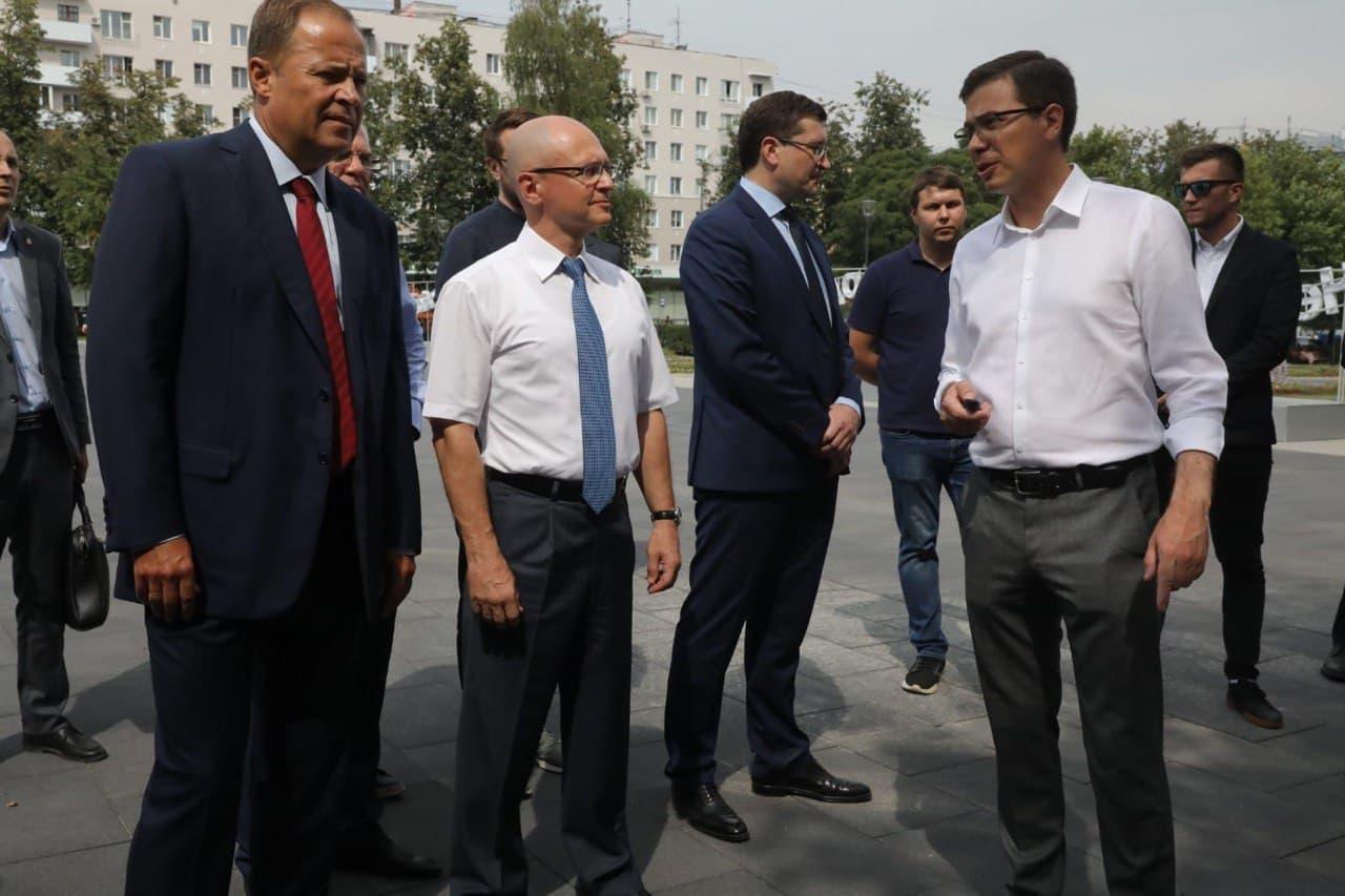 Сергей Кириенко, Игорь Комаров и Глеб Никитин посетили «Квартал Трёх Святителей» в Нижнем Новгороде
