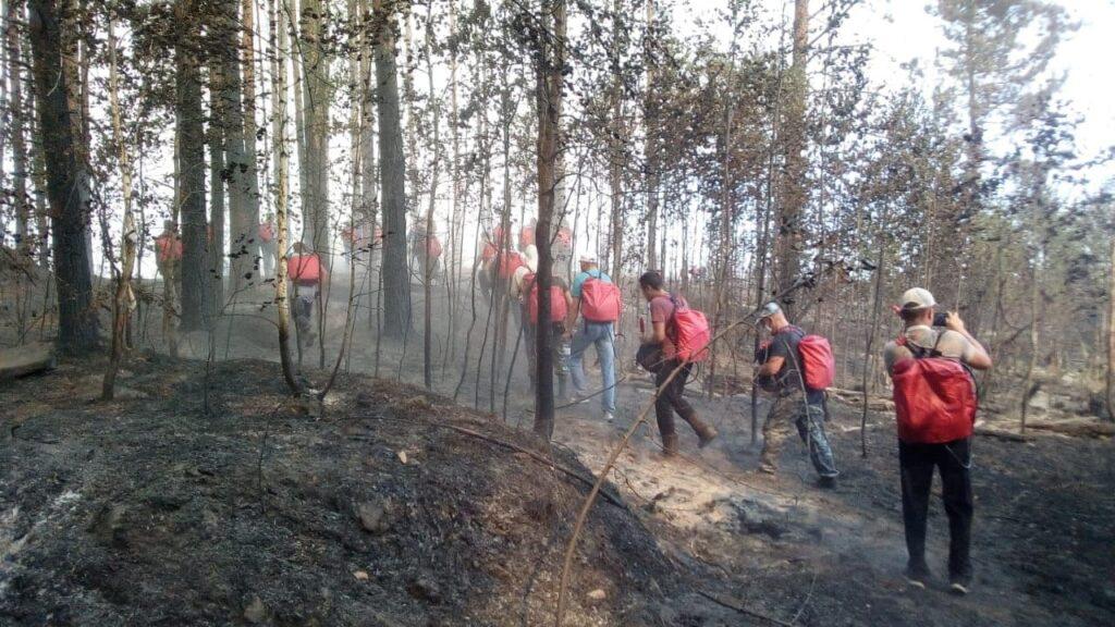 Глава Марий Эл встретился с добровольцами, оказывающих помощь в ликвидации лесного пожара