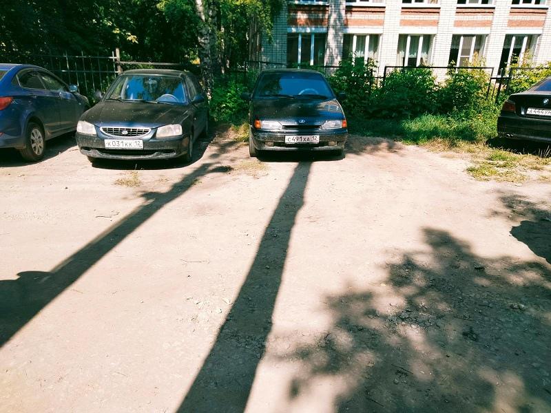 В Йошкар-Оле сотрудники ГИБДД ищут свидетелей двух ДТП
