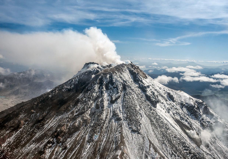 На Камчатке вулканическая активность вызвана отслоившимися кусками земной коры