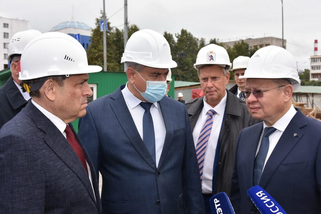 Министр строительства и ЖКХ РФ ознакомился с темпами строительства Дома дружбы народов в Йошкар-Оле