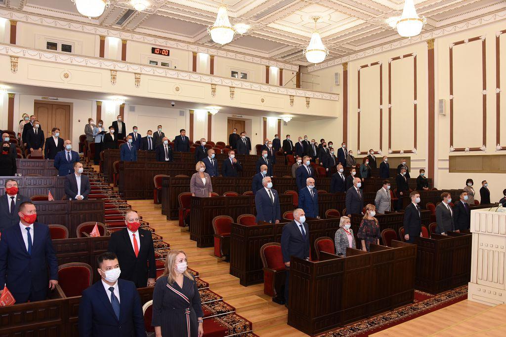 На сессии Госсобрания Марий Эл принято свыше 20 новых законов