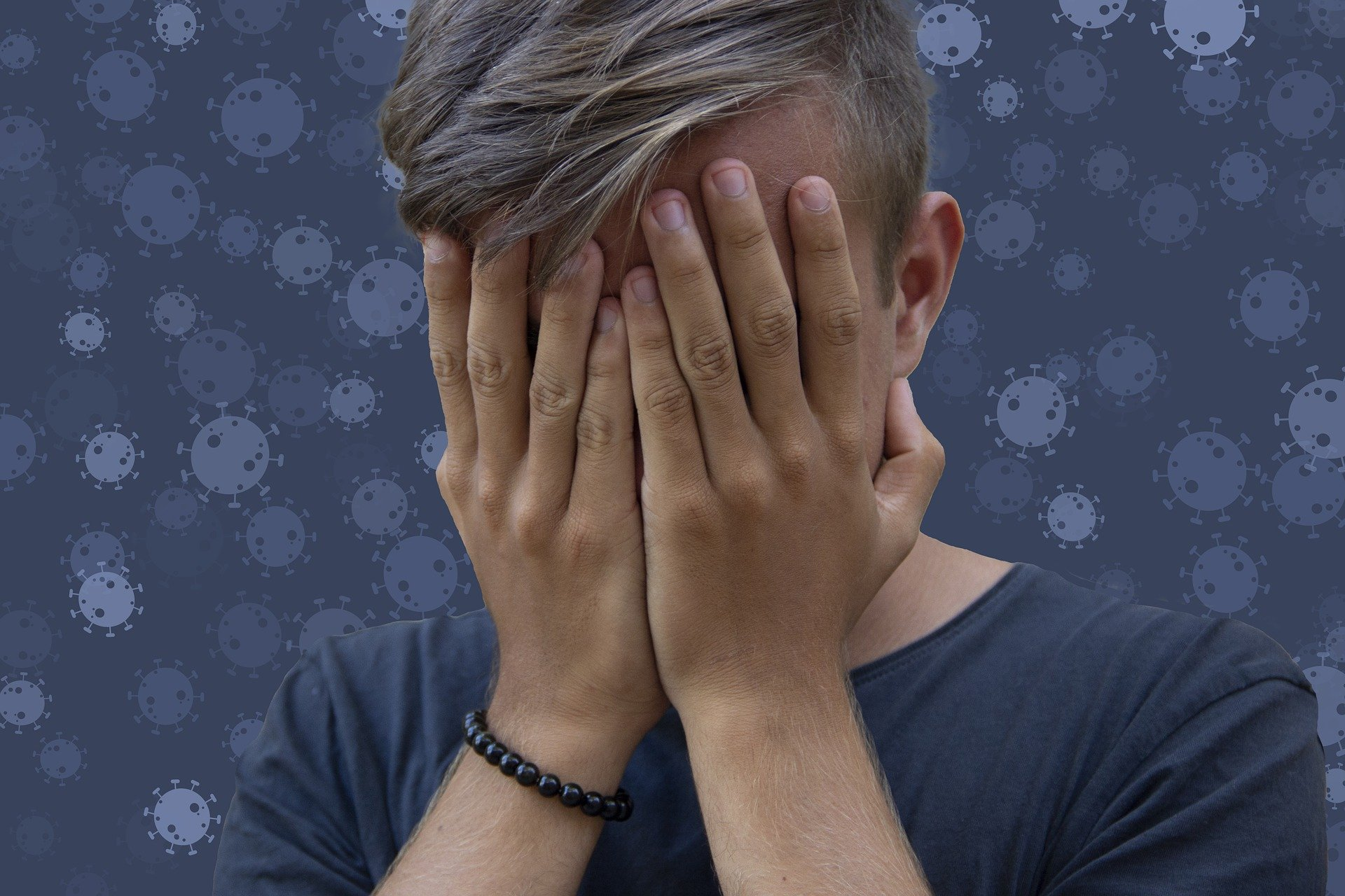 Нарушение психического состояния назвали самым частым последствием COVID-19