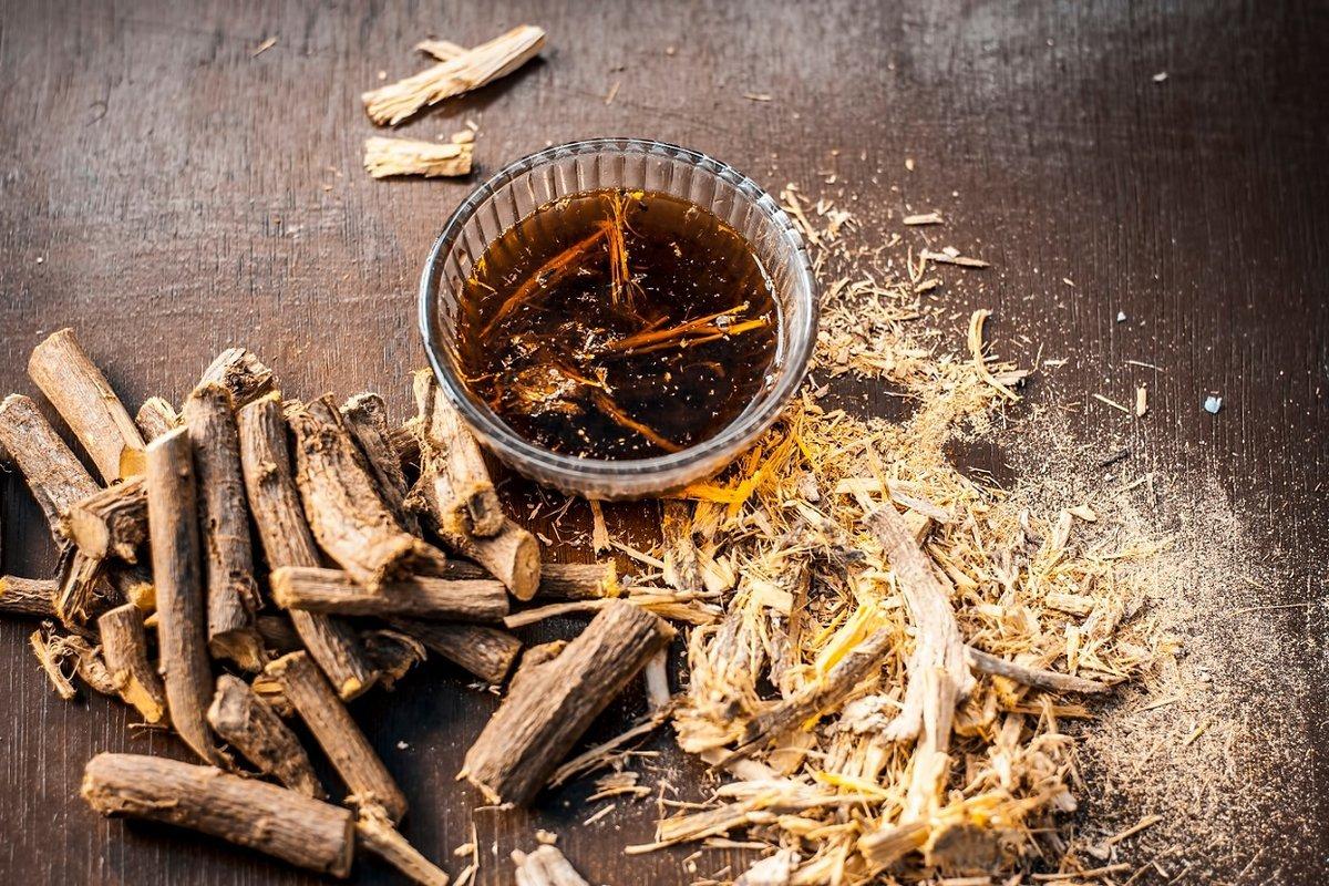 Сибирскими учеными найдено в корне солодки вещество для лечения COVID-19