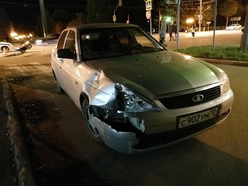 В Йошкар-Оле Лада Приора сбила 31-летнего водителя мопеда