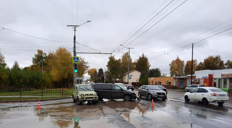 В Йошкар-Оле водитель-пенсионер устроил ДТП