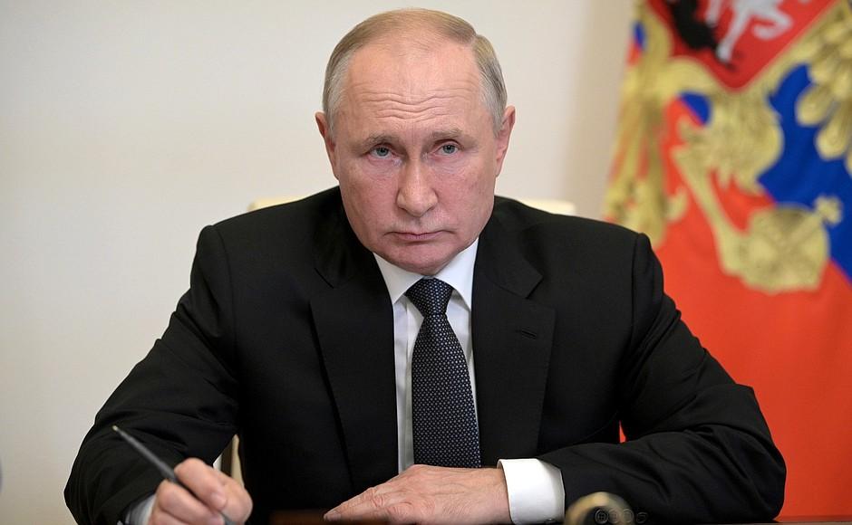 Владимир Путин провел рабочую онлайн-встречу с Александром Евстифеевым