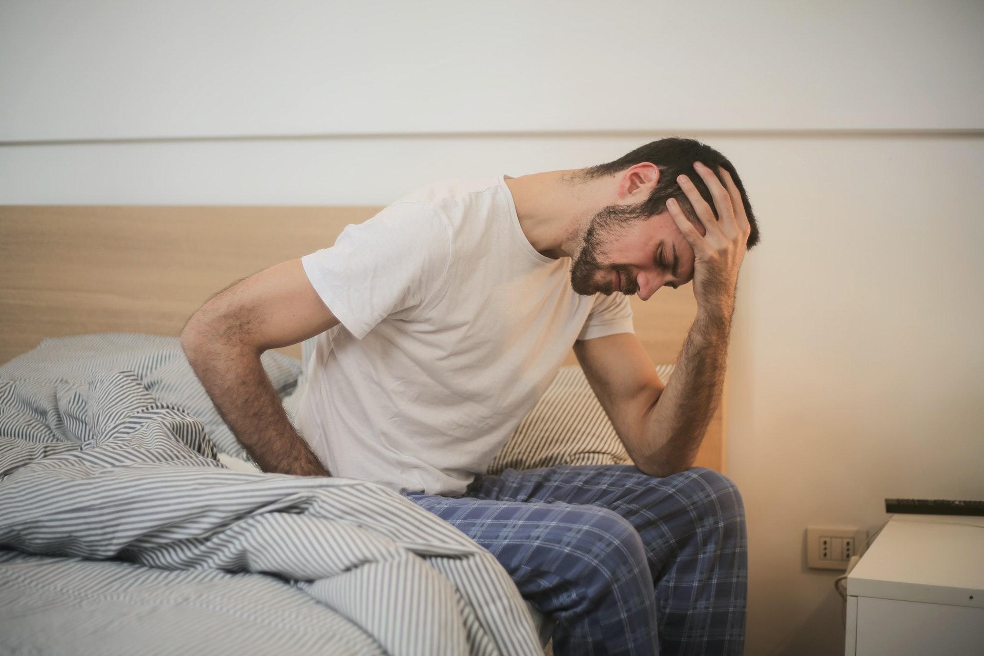 Врач-диетолог Михаил Гинзбург сказал, что острая пища помогает справиться с головной болью