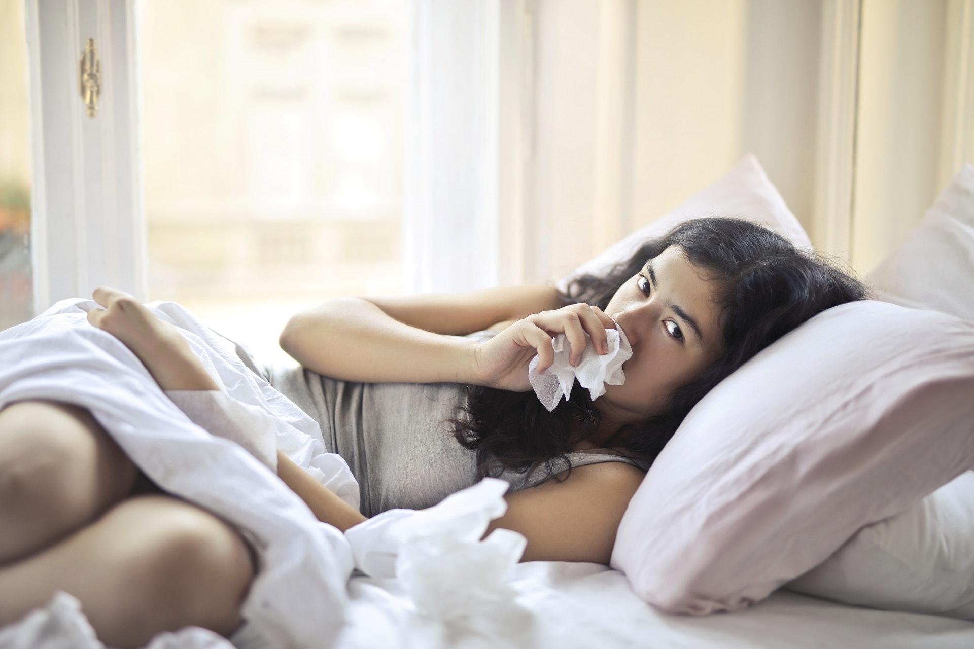 Врач Елена Колесникова сообщила о последствиях одновременного переноса гриппа и COVID-19