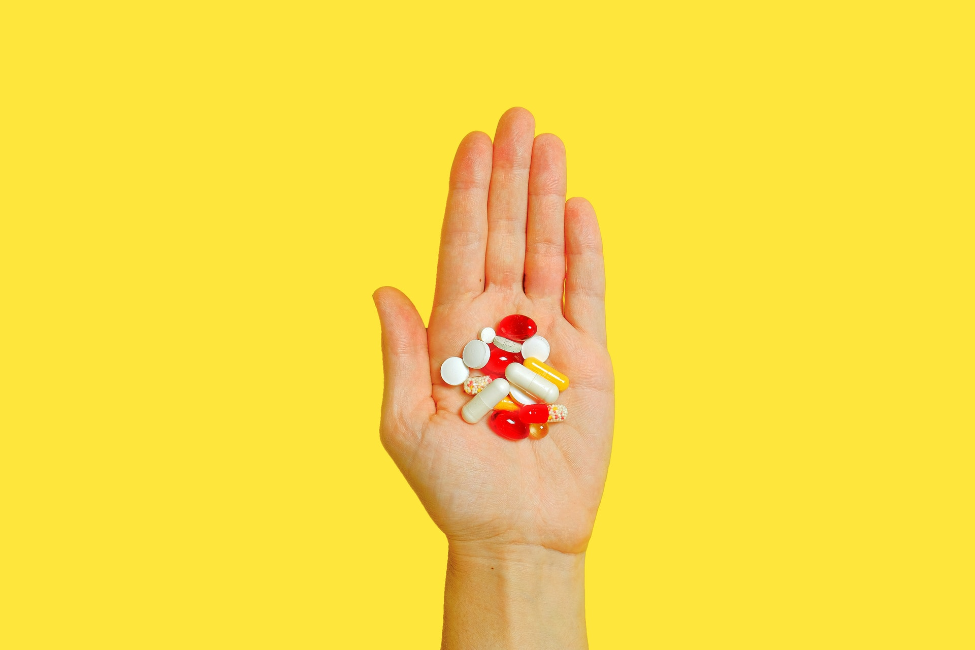 Энтони Фаучи перечислил два лучших витамина для укрепления иммунитета