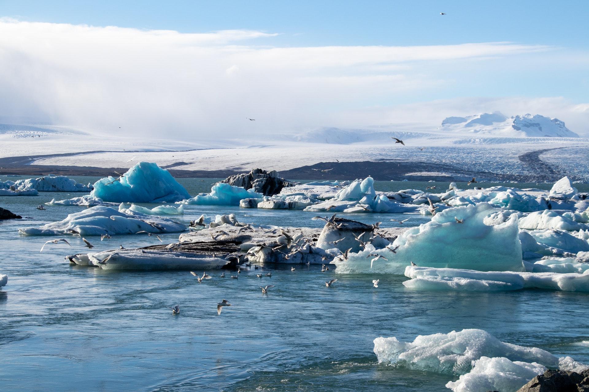 Таяние полярных льдов ведёт к сдвигу земной коры