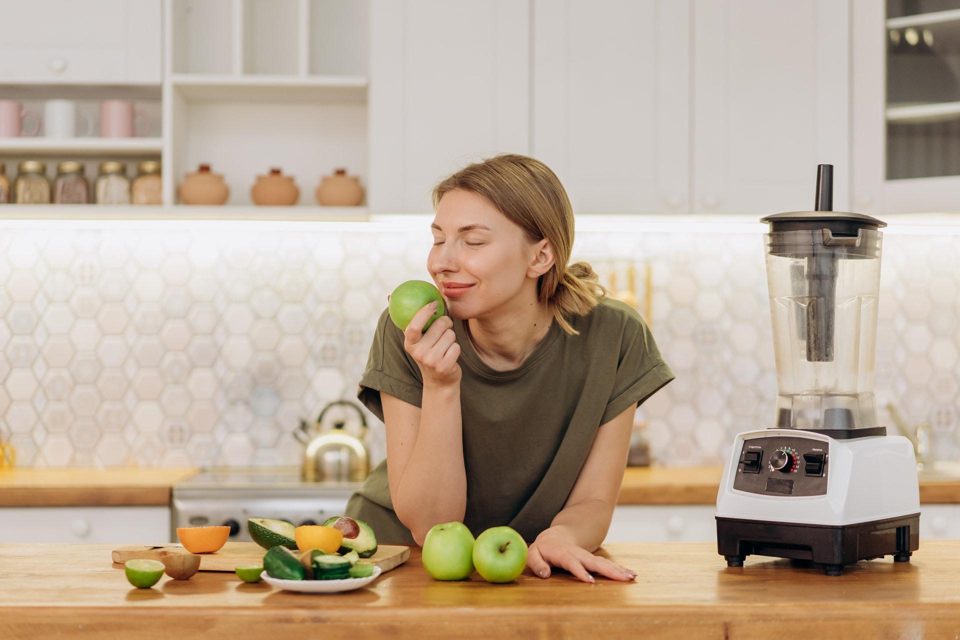 Вернуть обоняние переболевшим COVID-19 поможет витамин А
