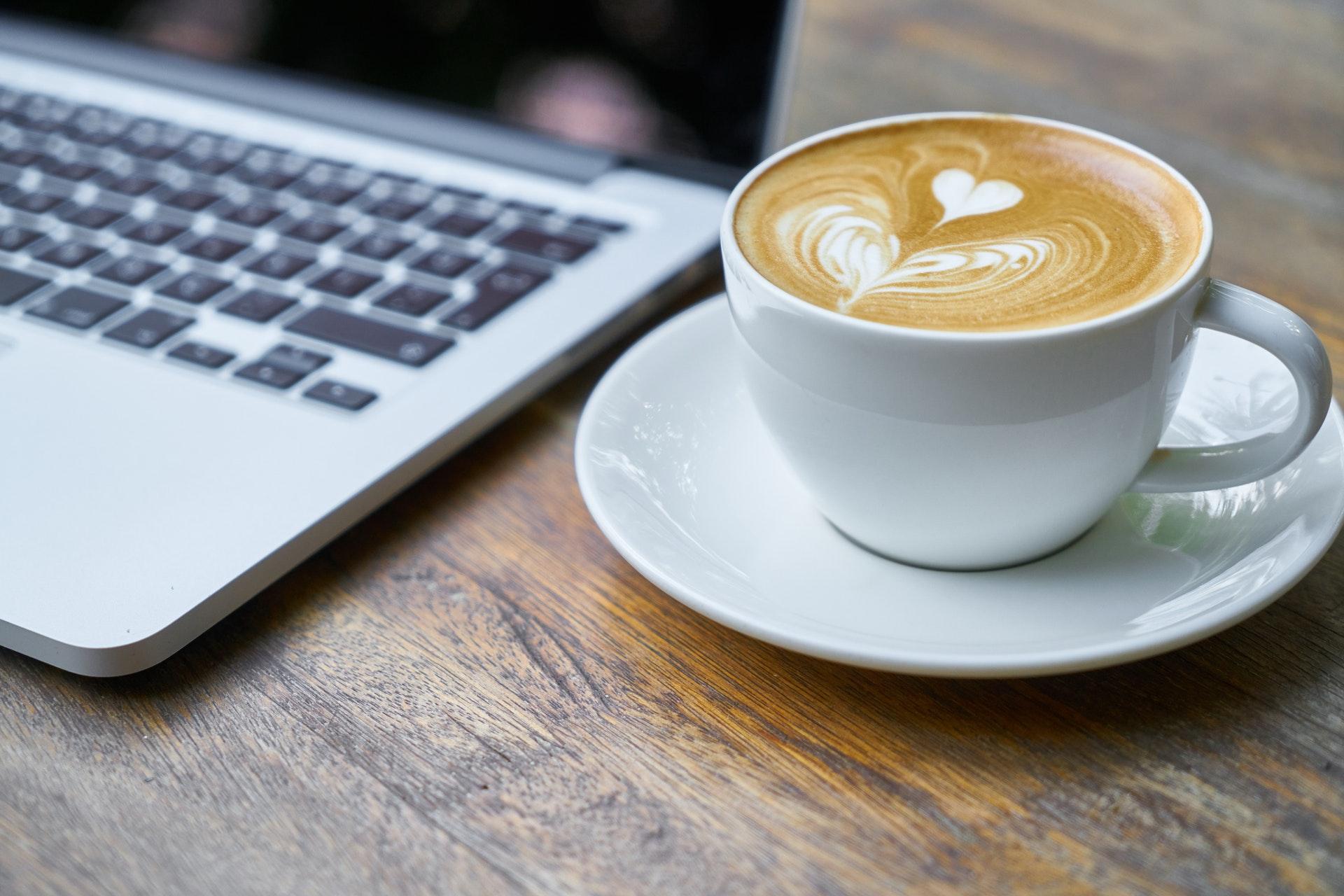 Диетологи США Таул и Ричардс советуют пить кофе за завтраком