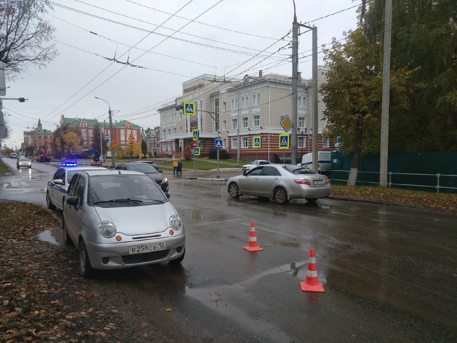 В Йошкар-Оле водитель малолитражки Daewoo наехал на пенсионерку