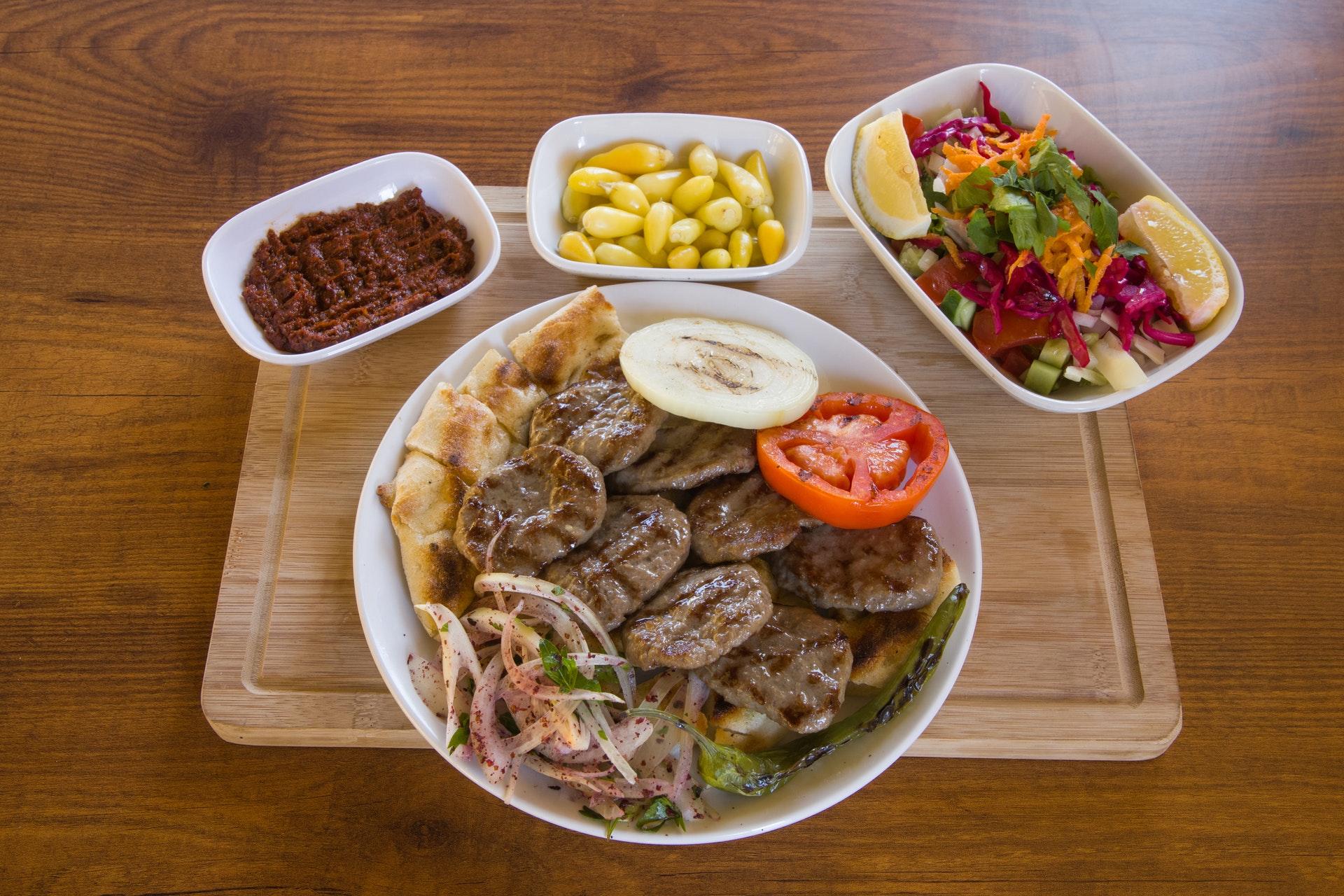 Диетолог Фус: людям с заболеваниями суставов не следует есть телятину