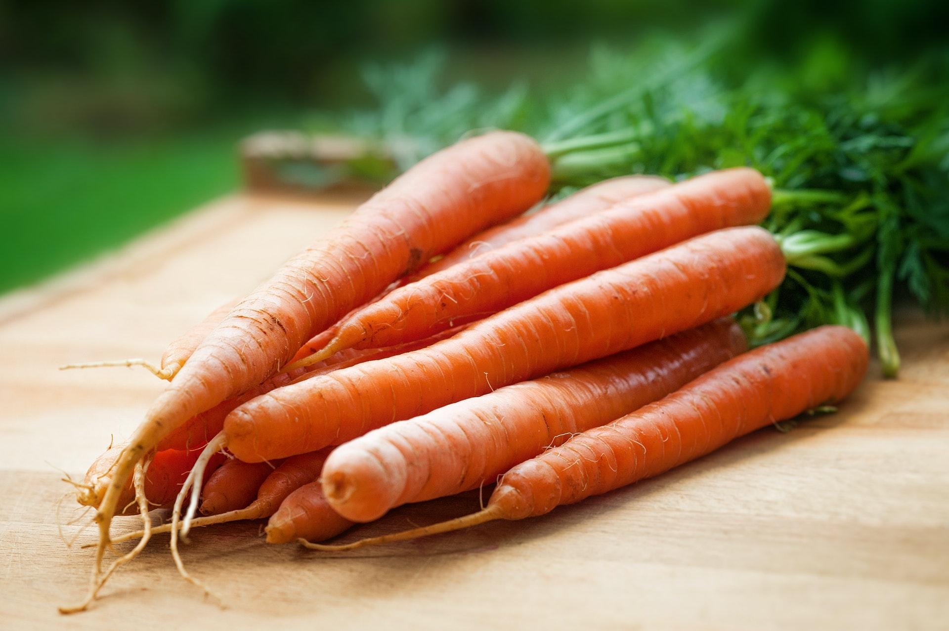 Предупредить развитие слепоты помогут печень и морковь